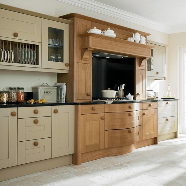 Oak and painted kitchen