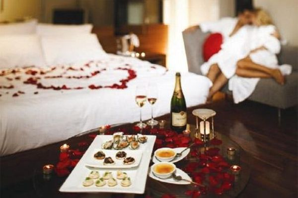 Valentines Day Bedroom Decoration_1