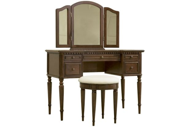 Wellington vanity with mirror