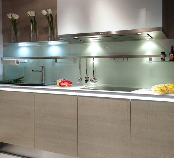 Glass Sheet Backsplash in Kitchen_2