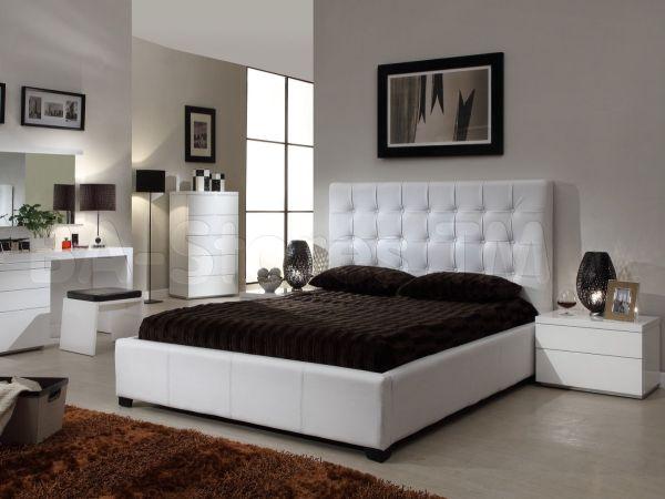 headboard and mattress