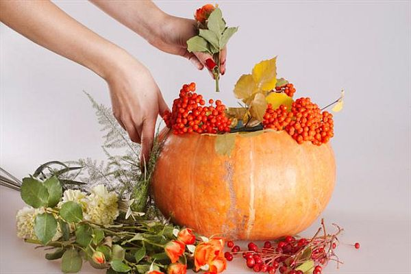 Make a pumpkin flower vase