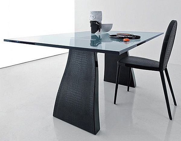 Trend Dining table designed by Compar
