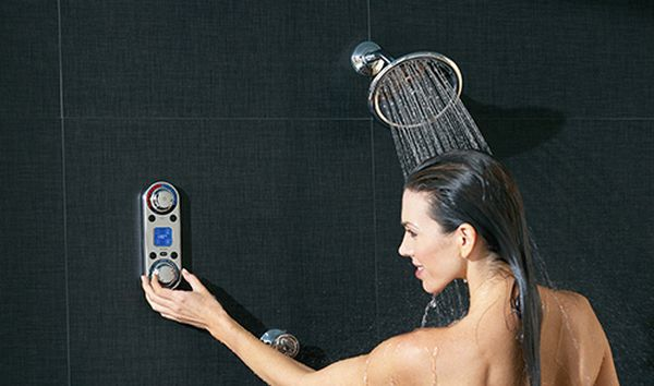 Smart water control shower faucets