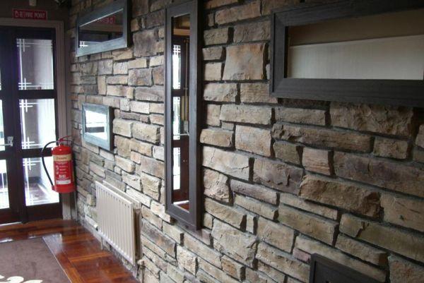 interior stone wall (2)