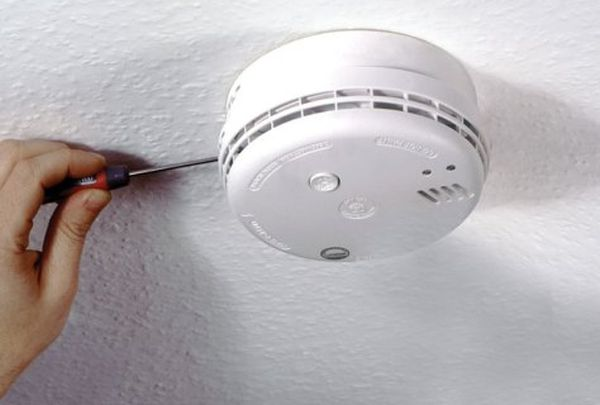 smoke alarms in house