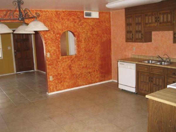 Sponge paint your rooms (2)