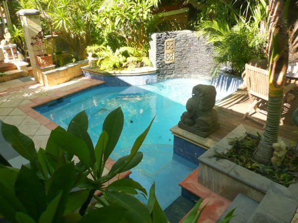 backyard pool  (4)
