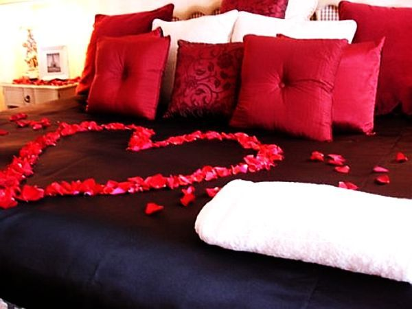 bedroom for Valentine's Day (7)
