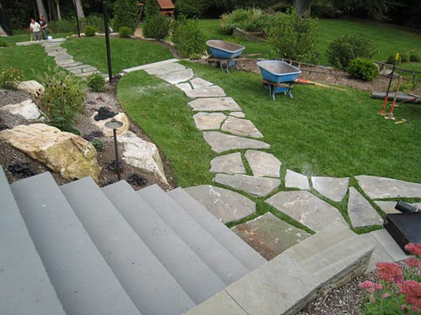 flagstone pathway for your lawn (2)