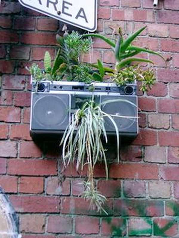 Classic stereo planters