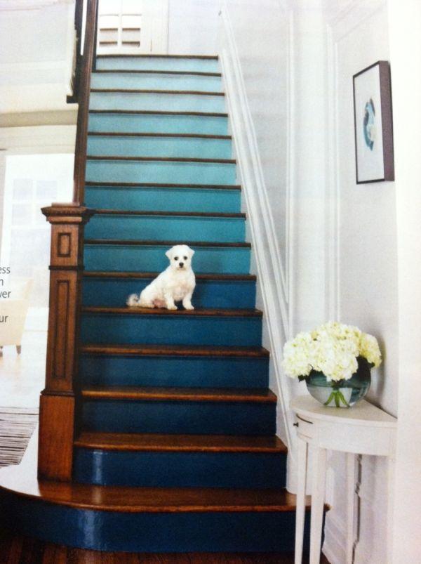 Mini Mirrors Staircase