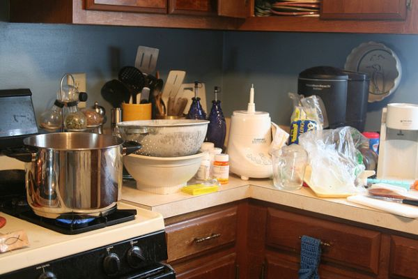 clutter free kitchen  (8)