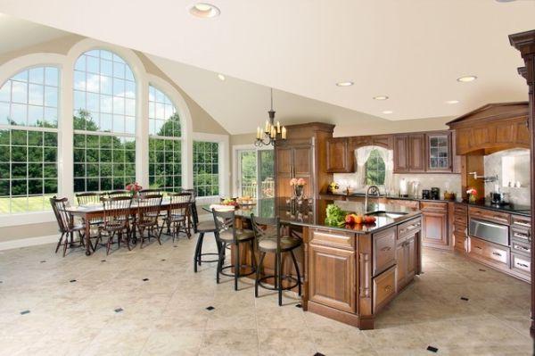 spacious kitchen (1)