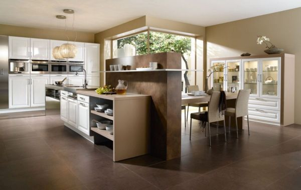 spacious kitchen (2)