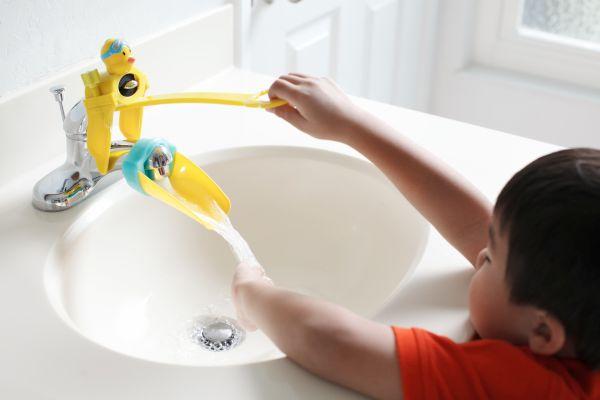 Aquaduck Faucet Extender