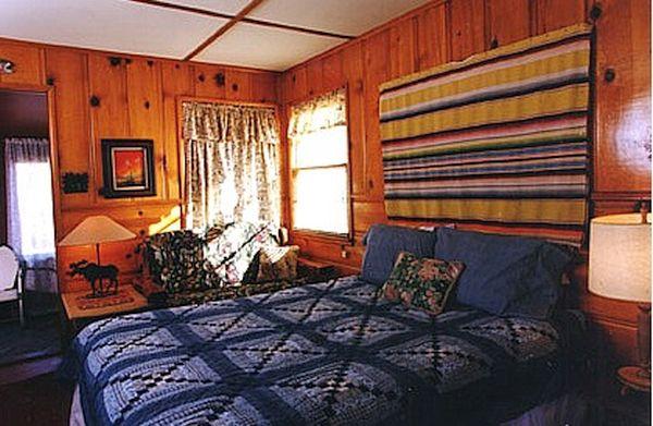 Knotty Pine Paneling decor (4)