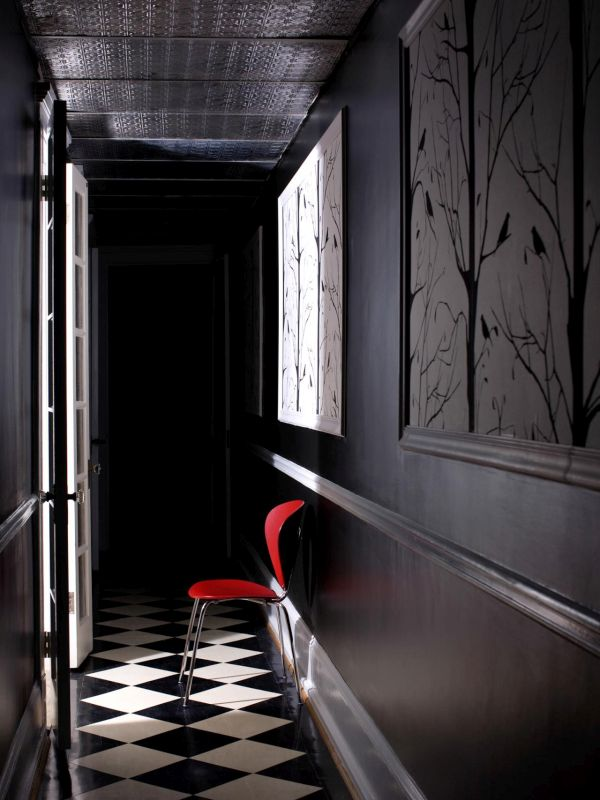 Using black in the hallway
