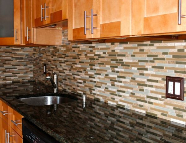 installing kitchen backsplash  (2)
