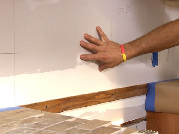installing kitchen backsplash  (4)