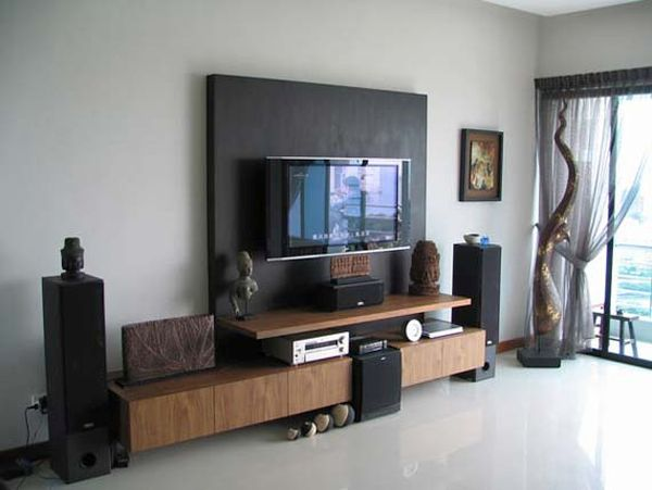 Decorating around the TV (1)