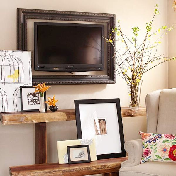 Decorating around the TV (2)