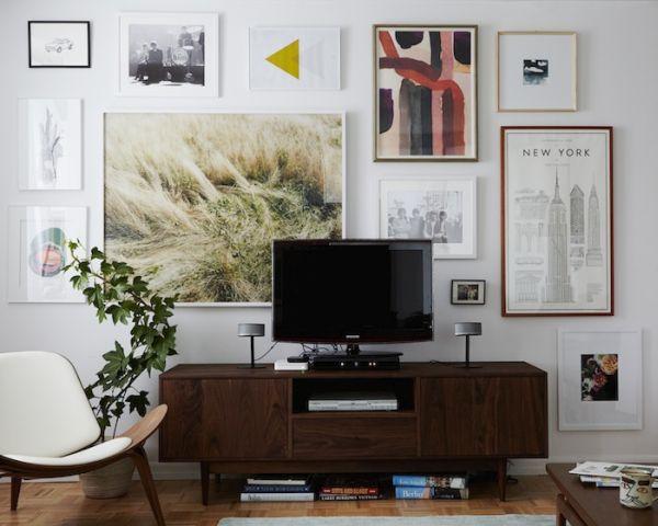 Decorating around the TV (6)