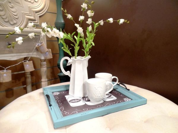 coffee tray can have a bud vase