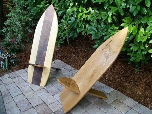 A surfboard chair