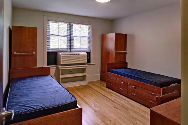 dorm room  (5)