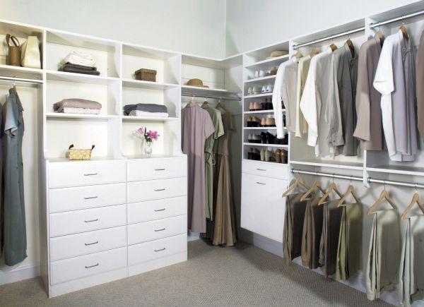 Walk-in Closet  (3)
