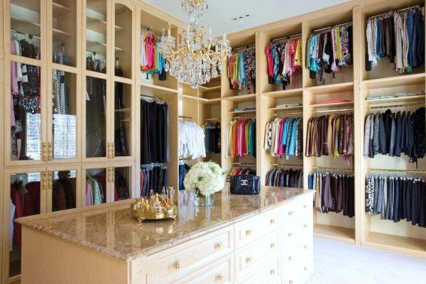 Walk-in Closet  (4)