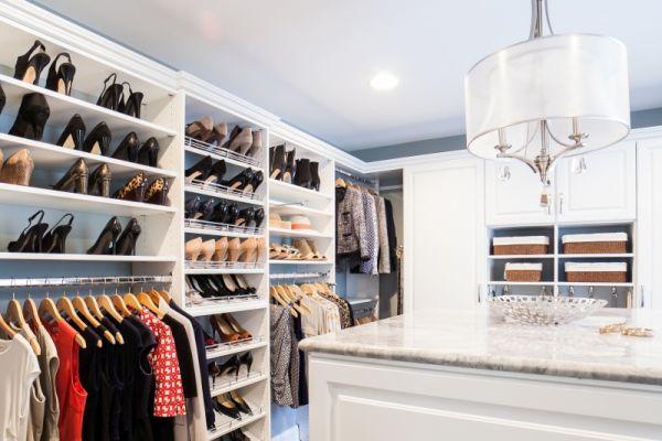 Walk-in Closet  (7)