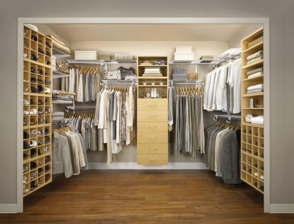 Walk-in Closet  (9)