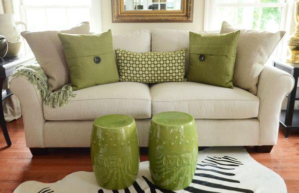 matching throw pillows (8)