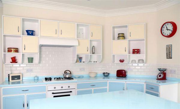 retro kitchen (1)