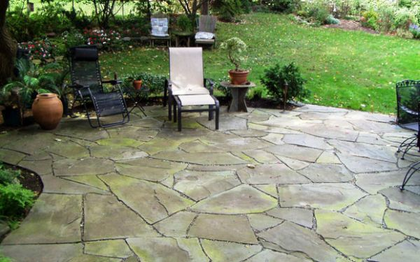 Flagstone patio (13) 1