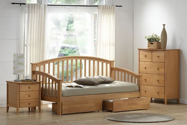 joseph-maple-daybed