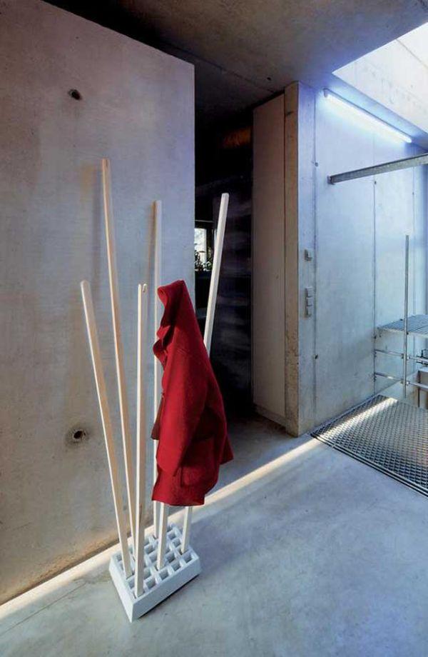 pin-flag-coat-rack