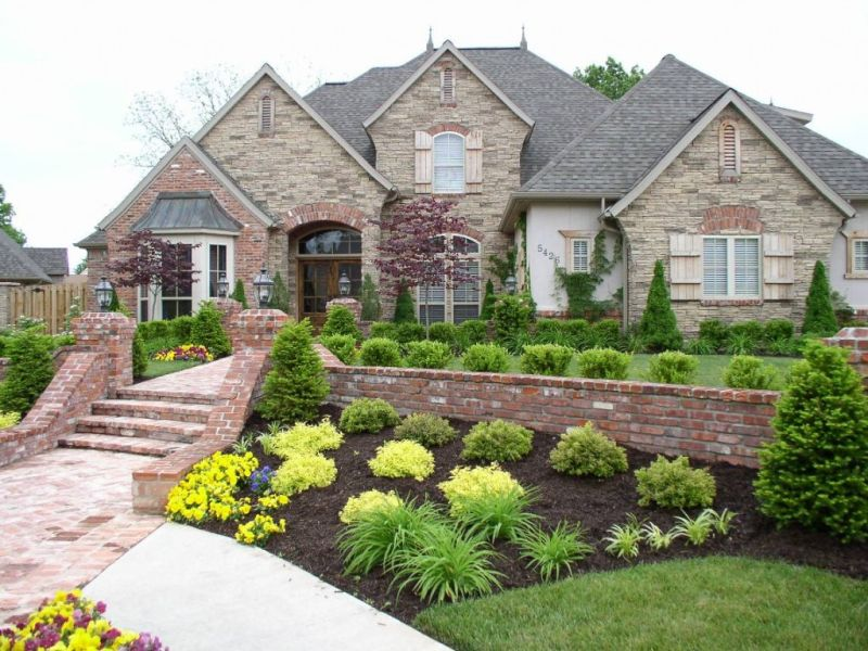 20 Beautiful Landscaping Ideas For The Frontyard And Backyard