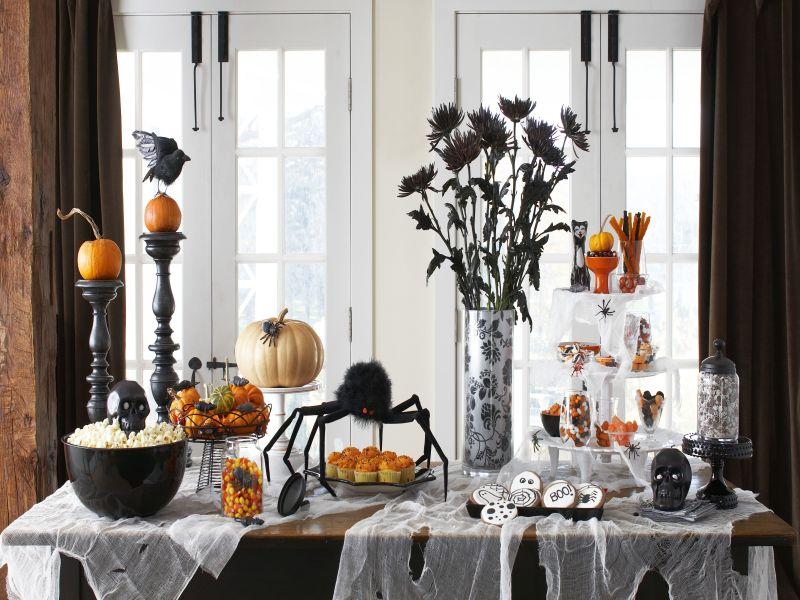 Living Room Halloween Decorations Indoor.Bring Your Halloween Decor Indoors Ideas For The Living Room