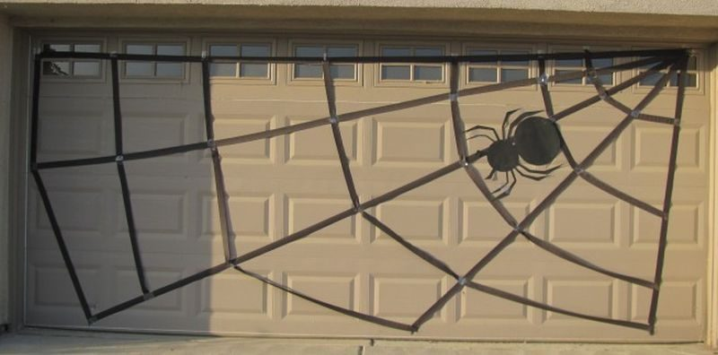 Spook Your Guests With These Diy Garage Door Halloween Decoration Ideas