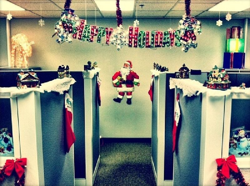 corporate-office-Christmas-decoration