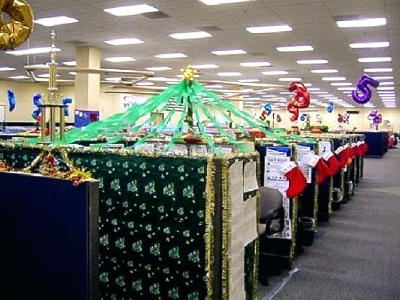 Christmas Decoration Ideas For Office Ceiling.Innovative Christmas Decoration Ideas For Your Corporate Office