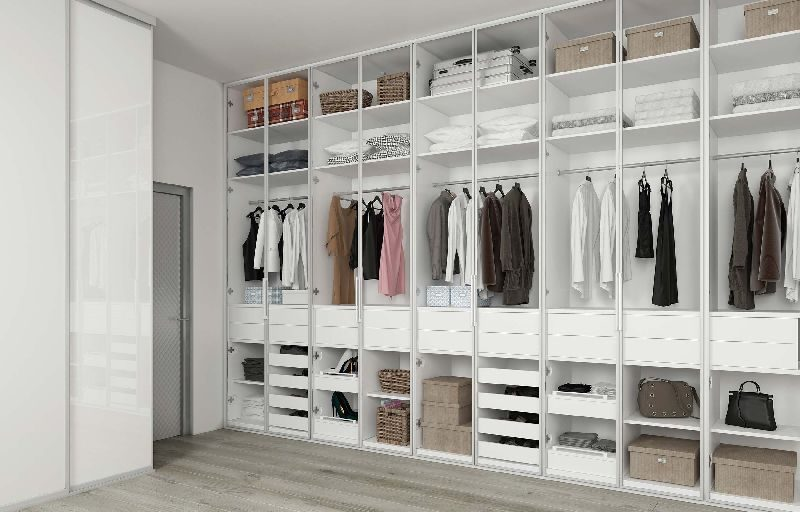 Walk-In-Wardrobe