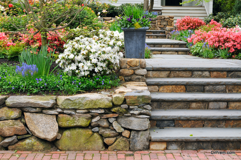 LANDSCAPING-WITH-ROCKS-AND-BOULDERS