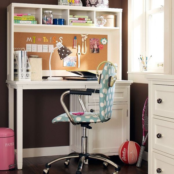 Girly room study area