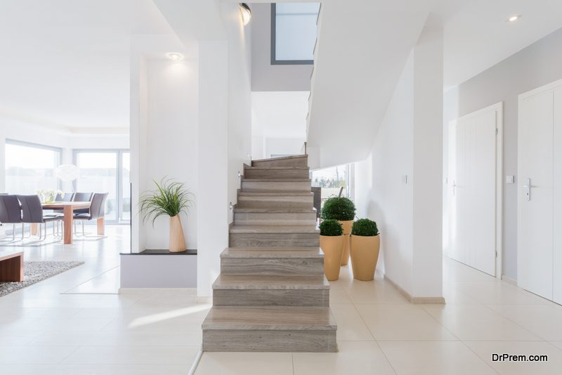 Indoor-House-Plants-for-decorating-Stairways