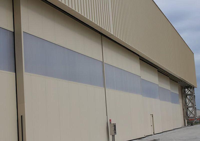 Sliding-hangar-door