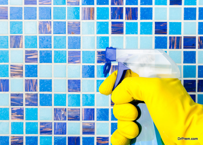 Use of The Best Spray Tile Pool Cleaner